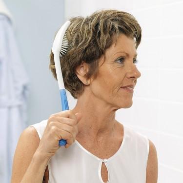 Brosse à cheveux ergonomique à long manche