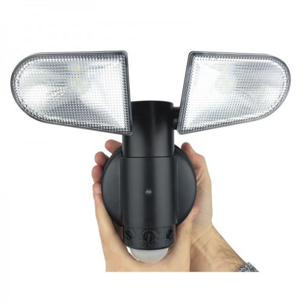 Lumière à détection orientable